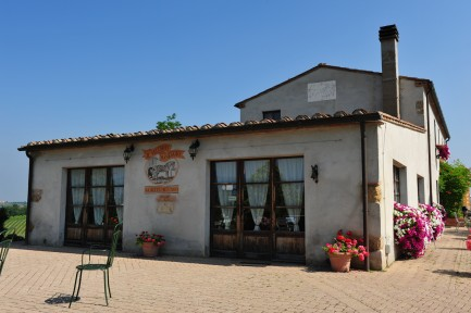 Foodie Family eats in Toscana